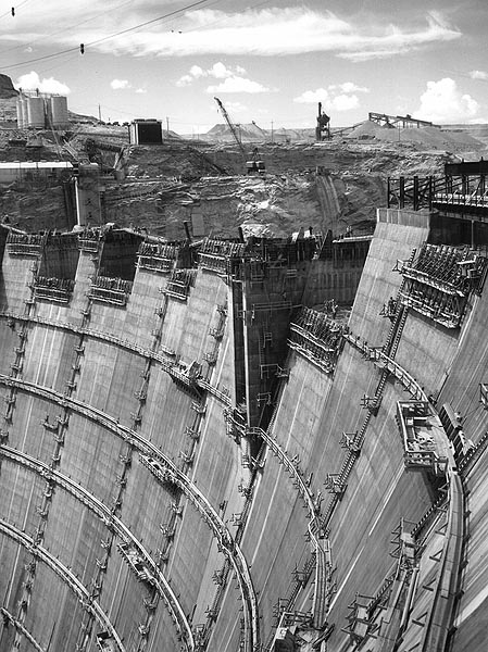 the details of the infamous glen canyon dam project The glen canyon dam was constructed on the colorado river from   photograph/aerial view of the construction of glen canyon dam, near page (ariz ).