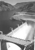 Photo of the Arizona spillway.