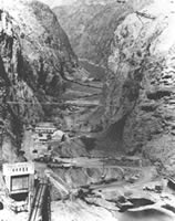 Photo of Black Canyon after the river was diverted. Click on photo for an enlarged view.