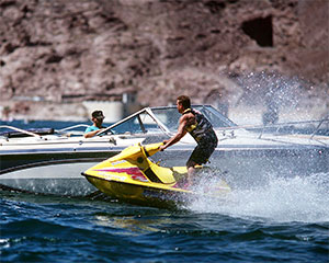 Boating at Lake Mead. Click for full size image.