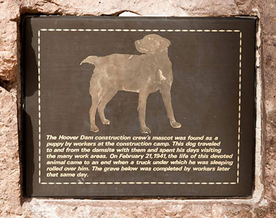 Plaque Deicated to Hoover Dog