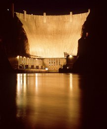 image of Hoover Dam at night