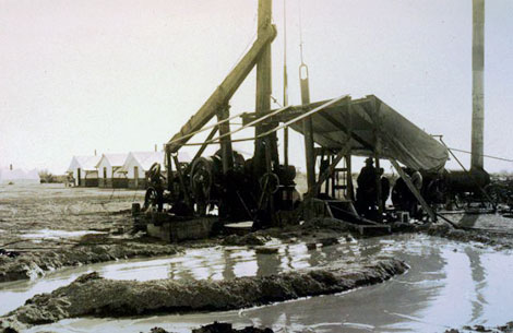 Drilling wells provided water for farmers, but by the second decade of the 20th century, farmland in the Salt River Valley was becoming saturated from too much irrigation. In this case, wells were drilled to remove water from water-logged fields, 1909. (Reclamation photograph)