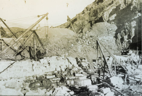 Excavation at dam site, 1906. (Reclamation photograph)