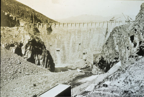 View of the dam nearing completion, 1910. (Reclamation photograph)