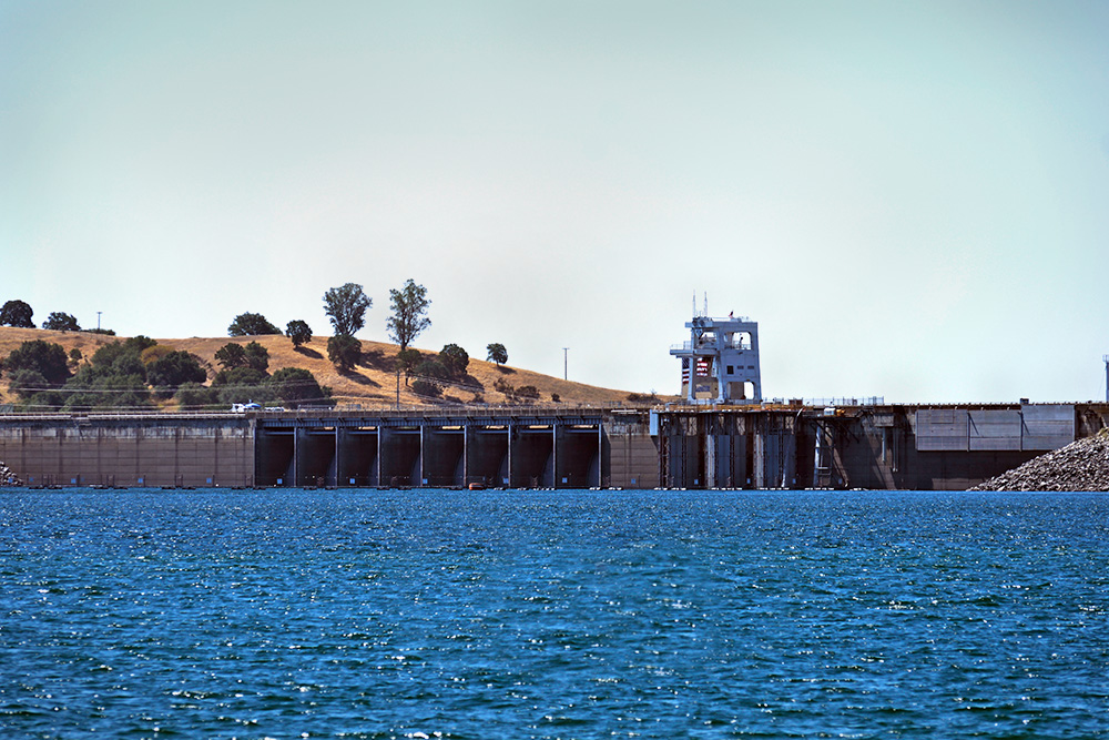 Folsom Dam and Reservoir