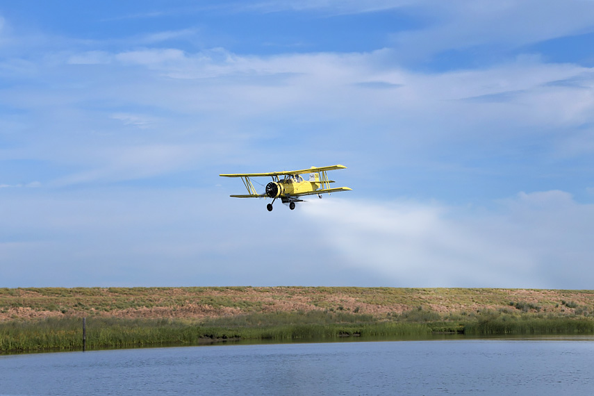 Crop duster places calcium nitrate into Sacramento Deep Water Ship Channel (photos by Winetta Owens)