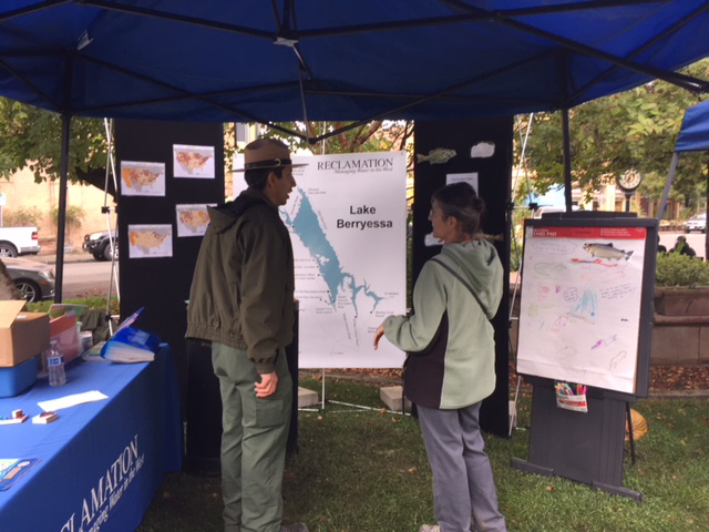 Park ranger teaches visitor about Lake Berryessa