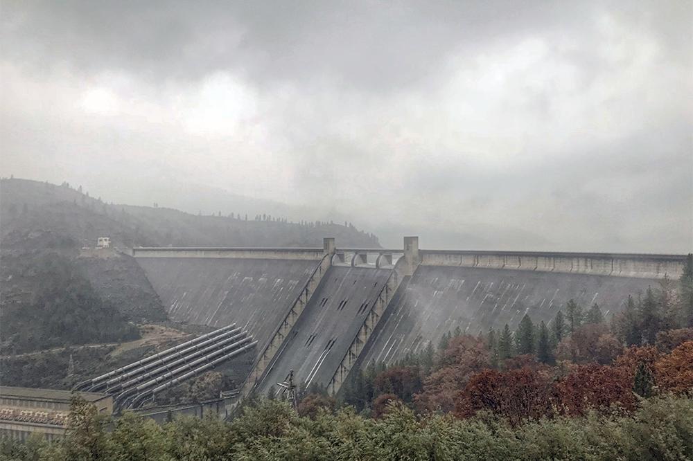 Rain at Shasta Dam Nov. 21, 2018. (Photo by Sheri Harral)
