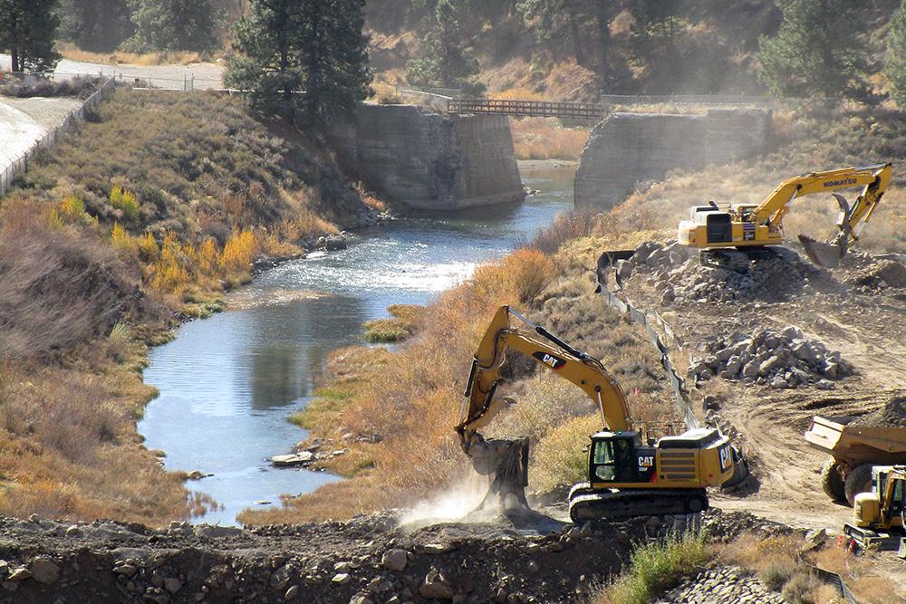 Boca Dam construction; photo credit Donna Potter, Reclamation.