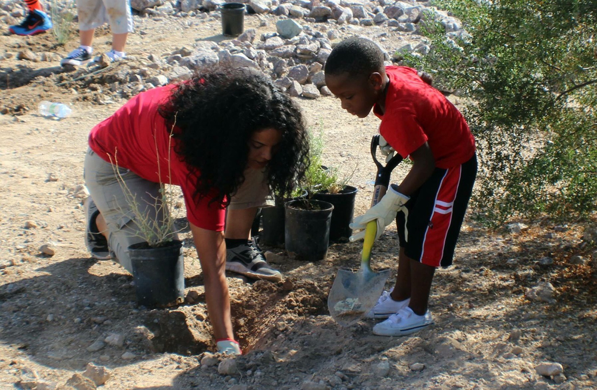 Toyya teaches environmental stewardship while performing restoration projects at Davis Dam during Public Lands Day.