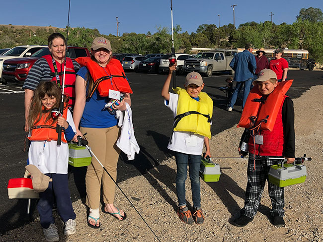C.A.S.T. for Kids anglers getting ready to go fishing