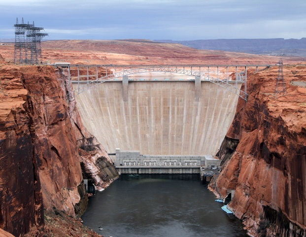 Photo of Glen Canyon Dam